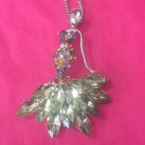 Amazing lady 🥰 necklace/broach